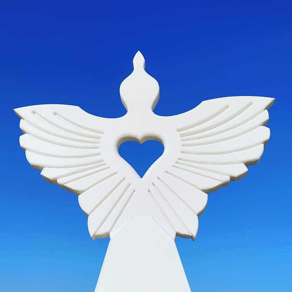 PEACE Weißer Marmor PEACE sculpture Toomas Altnurme