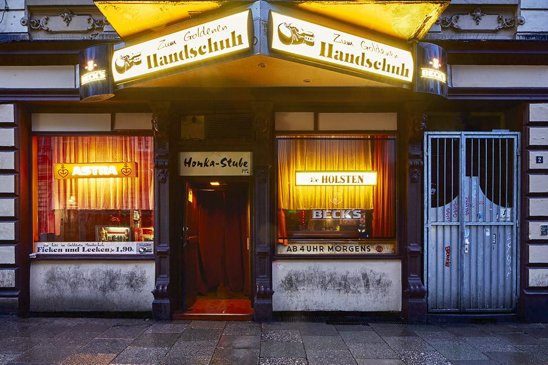 goldene handschuh honka stube st.pauli reeperbahn kunst cp krenkler fotokunst fotografie hamburg fotos krenkler honka kunst