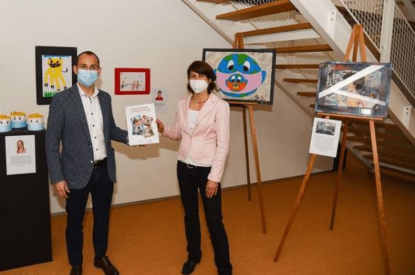 stadt böblingen kunst lockdown arts up kunst von kindern lockdown kunst art ausstellung kunst in böblingen Dr. Stefan Belz zusammen mit Janina Ulmer