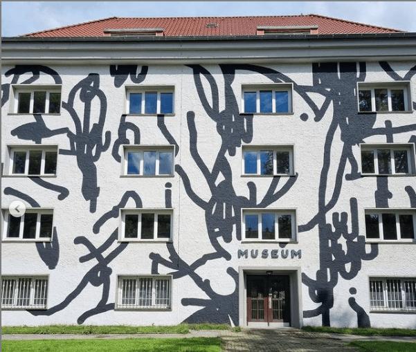 Tomislav Topic und Tobias Kröger verzieren MKK museum für kunst und kulturgeschichte dortmund kunst in dortmund wandbilder