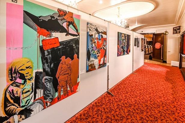 künstlergruppe ewig ronny reinecke ausstellung kunst in hamburg hansa theater schau nicht weg obdachlosenhilfe
