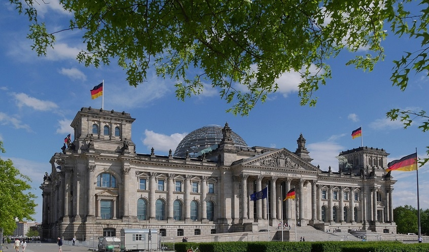 kunst und kultur in deutschland förderung von künstlern musikensembles unterstützung vom staat corona hilfe kunst kaufen online galerie arttrado erfahrung